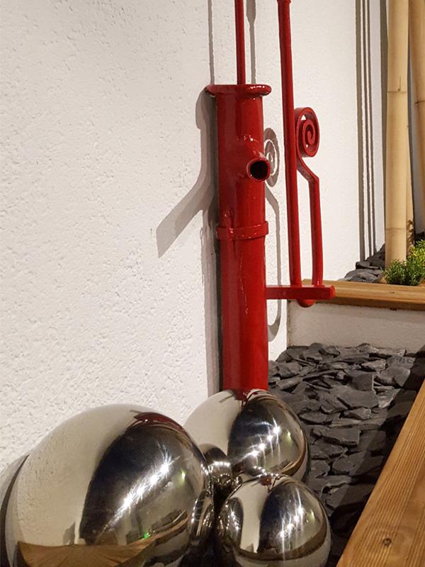 Patio, cour intérieure, pergola, banc, béton, bois et métal